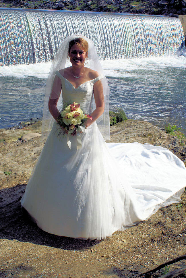 Renewing your wedding vows outdoor location weddings gatlinburg pigeon forge your cabin or by waterfall only 100 lawn garden gazebo receptions publicscrutiny Gallery