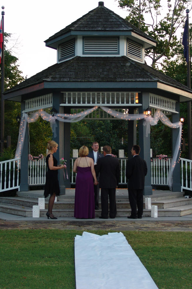 wedding with a gazebo you don 39t have to have a lot of decorations if